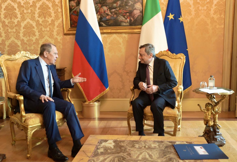 Mario Draghi incontra a Palazzo Chigi il ministro degli Esteri russo Sergey Lavrov