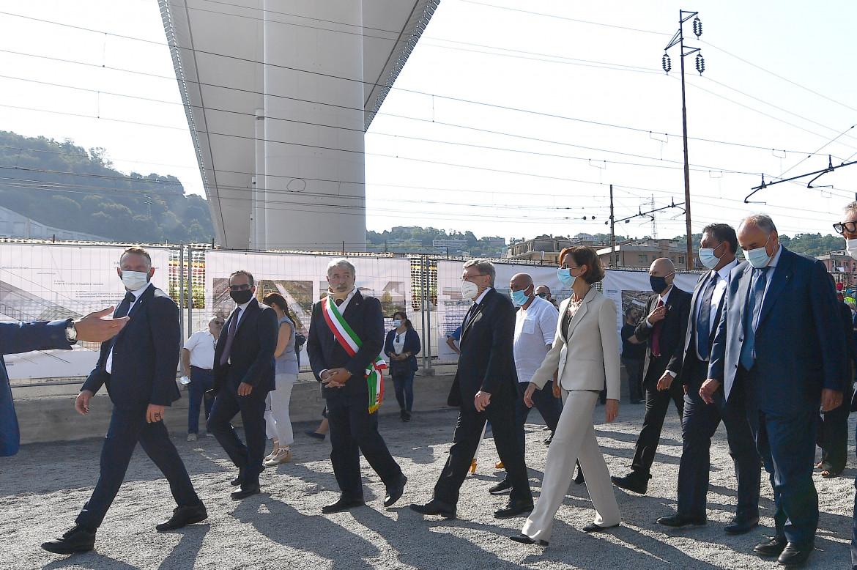La ministra Cartabia ieri a Genova
