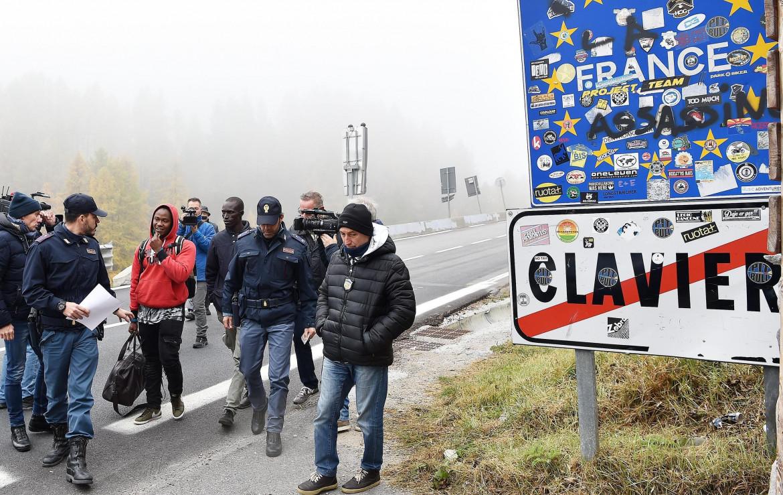 Migranti sul confine a Claviere