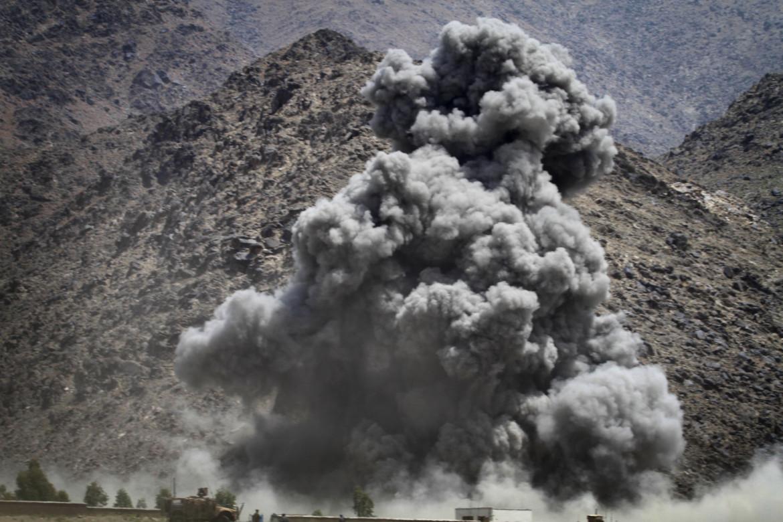 Raid della coalizione su una postazione talebana a Kuz Kunar