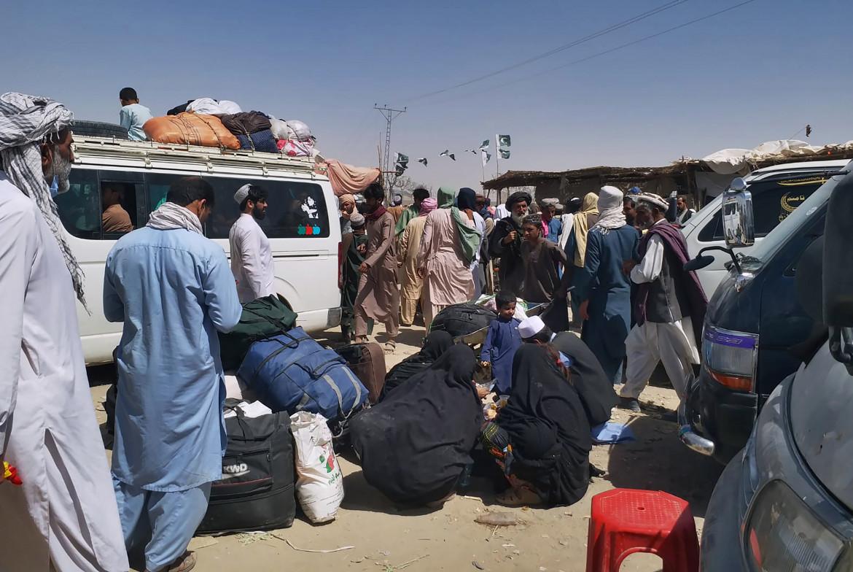 Rifugiati afghani al valico di Chaman con il Pakistan