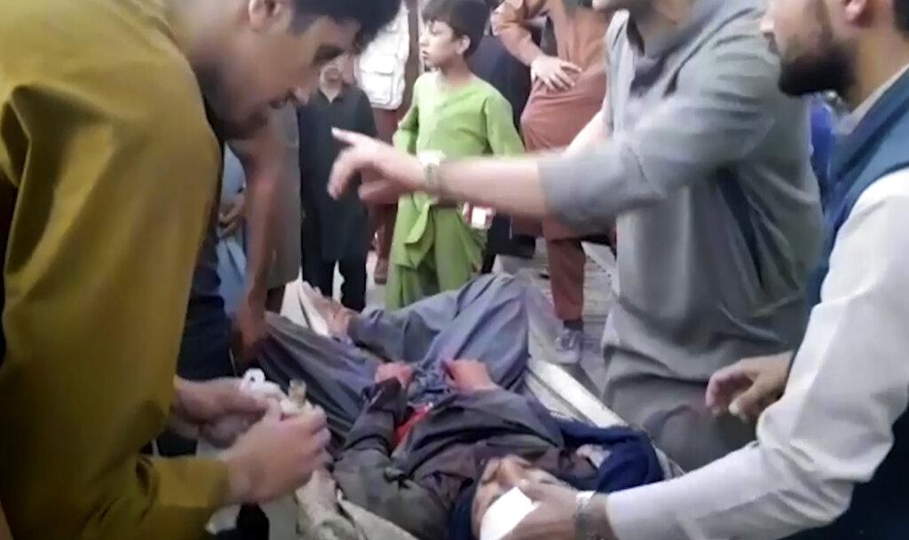 Un frammento video dell'attentato suicida a Kabul