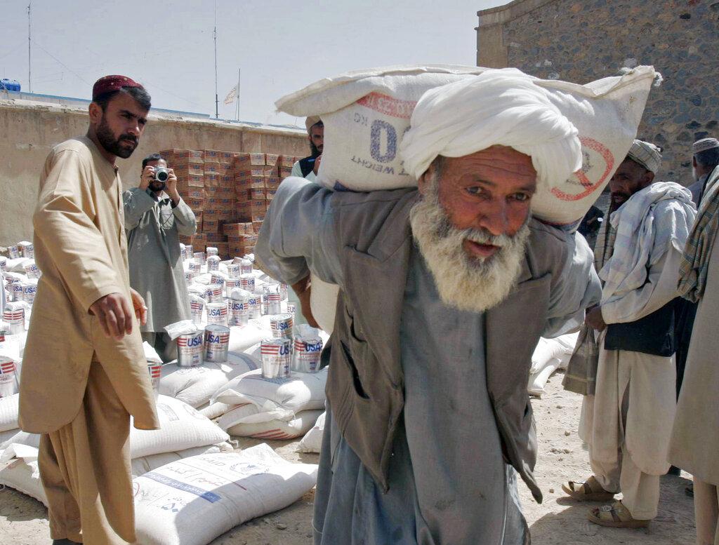 Distribuzione di cibo da parte del World Food Program a Kandahar Afghanistan