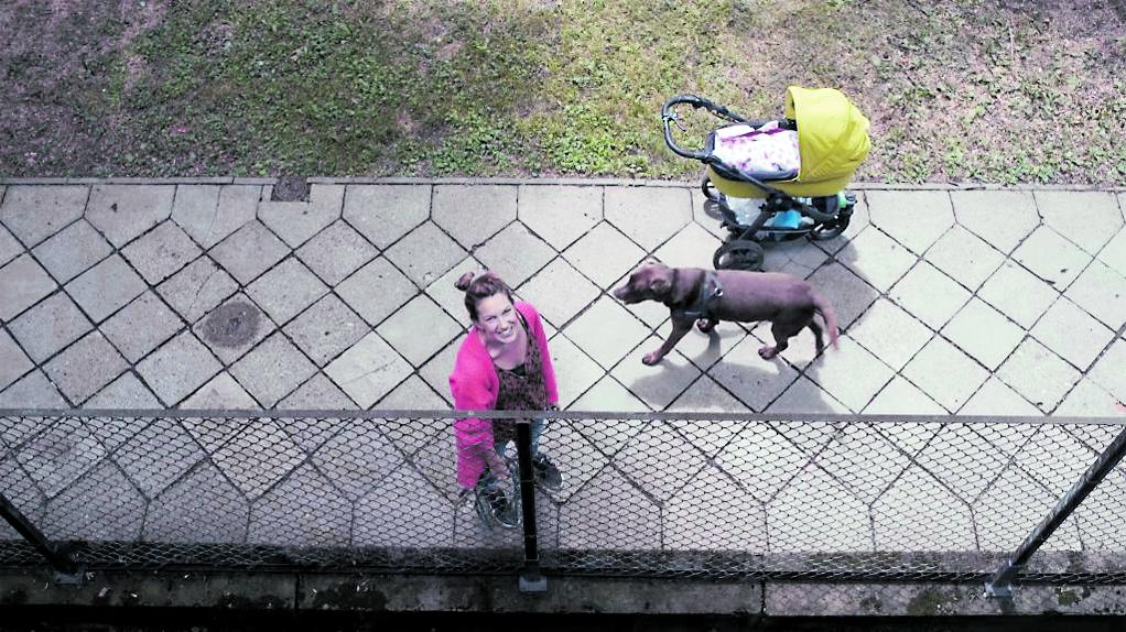 Scena da «The Balcony Movie» di Pawel Lozinski