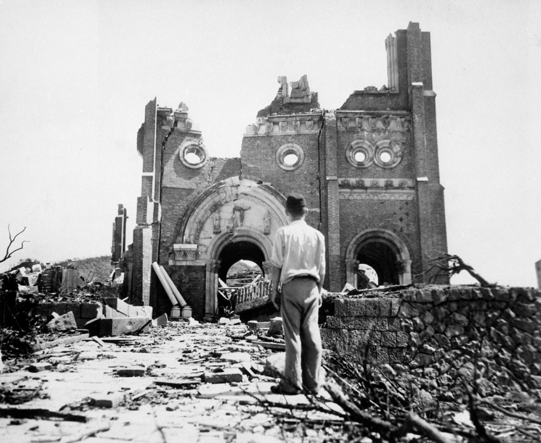 La Cattedrale di Urakami distrutta dalla bomba atomica a Nagasaki, settembre 1945