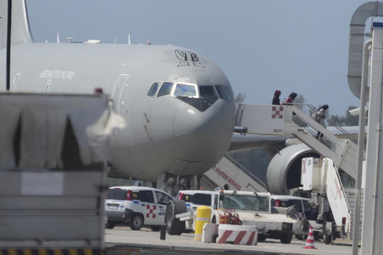 Evacuazione da Kabul con aereo militare