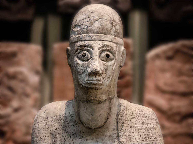 Tell Atchana, Turchia, statua in magnesite bianca di Idrimi, re di Alalakh, part.,  XVI sec. a.C., Londra, British Museum