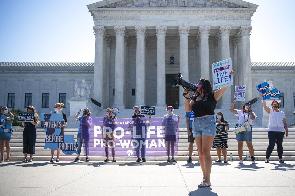 Una manifestazione a Washington contro la legge del Texas