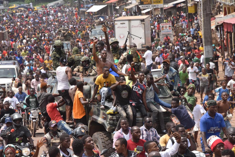 La festa a Conakry dopo la deposizione del presidente Condé
