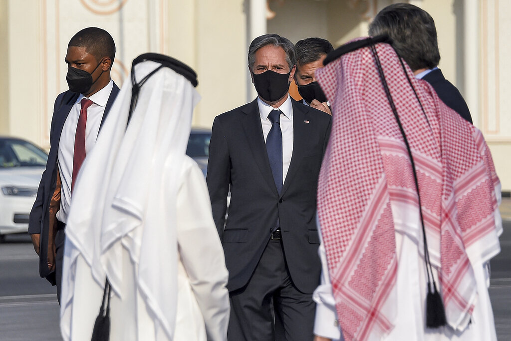 Il segretario di stato Tony Blinken all'aeroporto di Doha