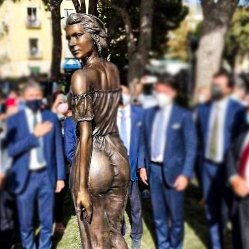 La statua di Emanuele Stifano