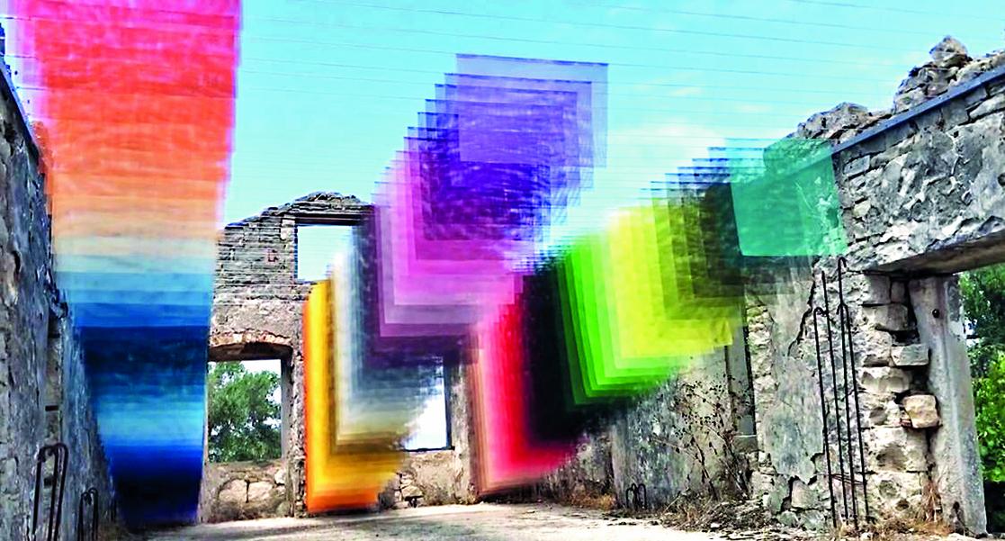 Particolare da un'installazione di Yan Chiabai