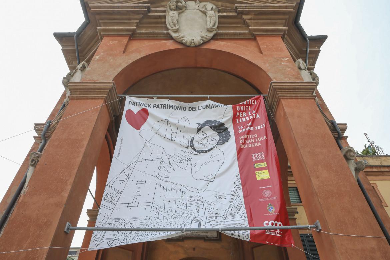 Bologna, campagna a favore della scarcerazione di Patrick Zaki