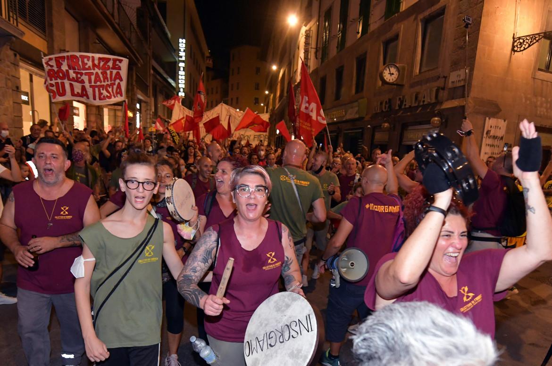 La Gkn in piazza a Firenze