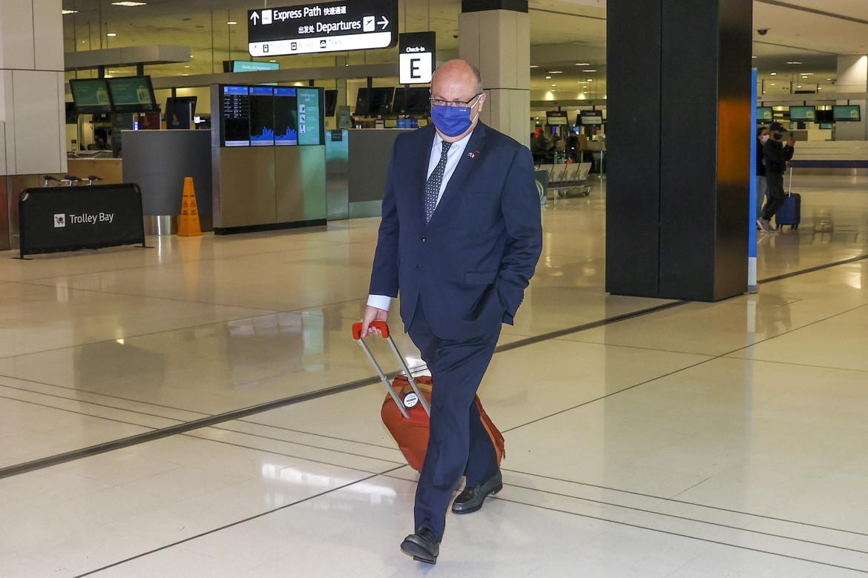 L'arrivo dell'ambasciatore francese in Australia, Jean-Pierre Thebault, all'aeroporto di Sydney