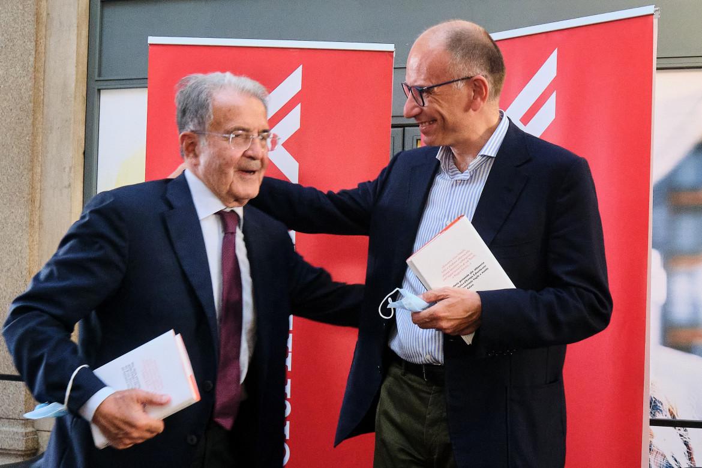 Prodi e Letta  alla presentazione del libro del professore
