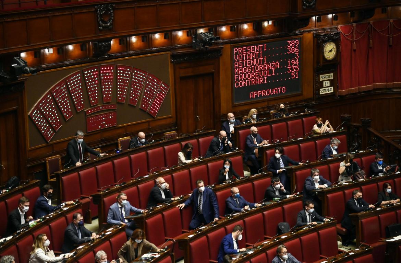 Il risultato del voto finale alla Camera sul decreto Green Pass