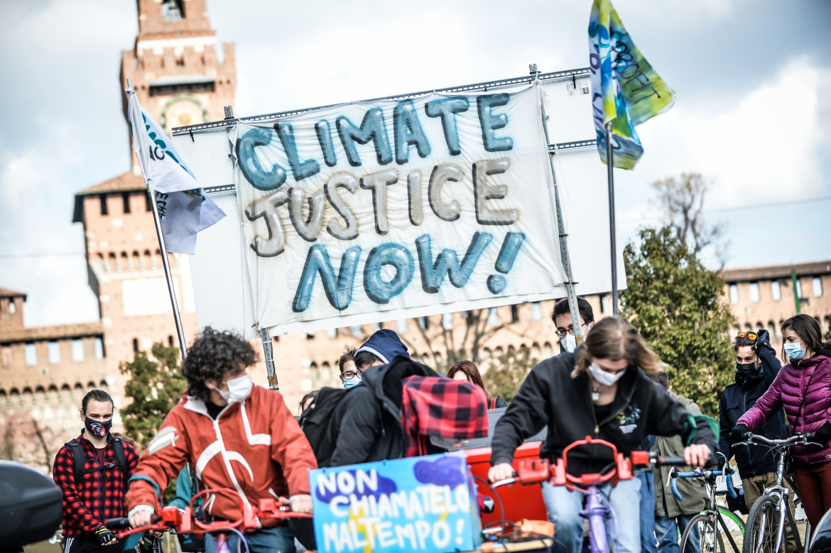 Fridays for future in piazza a Milano