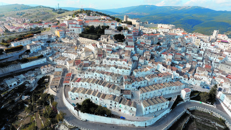 Veduta dall'alto del centro storico (foto Matteo Nuzziello)