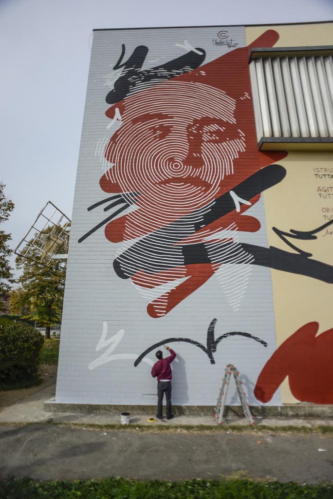 Il murale dedicato a Gramsci a Bologna dallo street artist Chekos