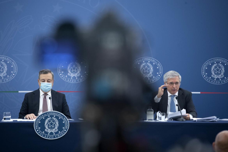 Il premier Mario Draghi e il ministro dell'Economia Daniele Franco