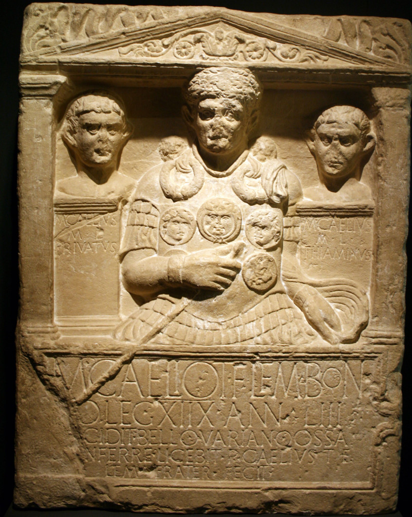 Stele tombale  del centurione  Marco Celio, caduto nell'imboscata  di Teutoburgo,  Bonn, Rheinisches Landesmuseum