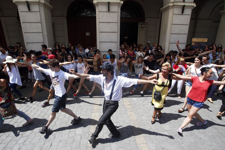 Danze greche a Santiago del Cile