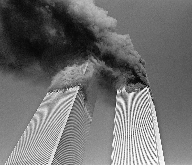 Le Torri Gemelle durante gli attentati dell'11 settembre 2001