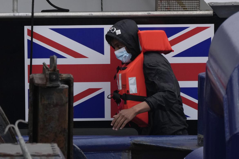 Controlli anti-immigrazione a Dover