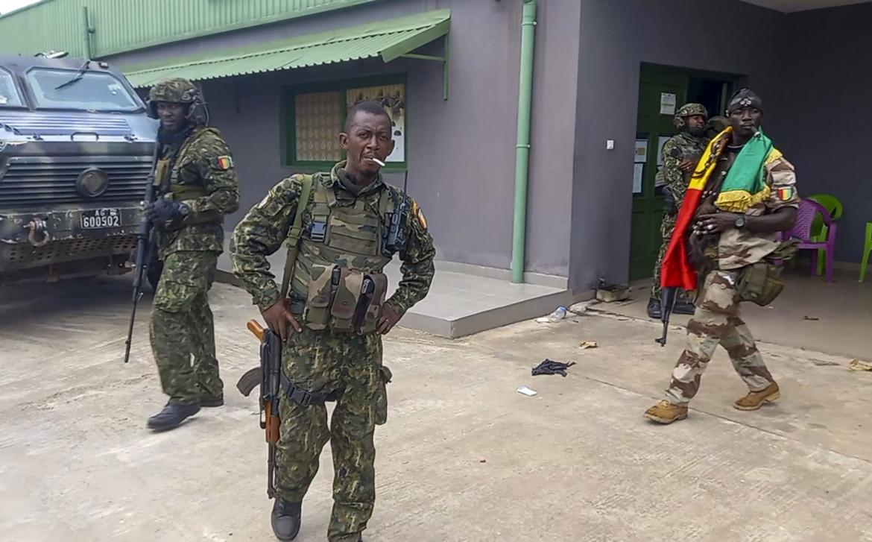 Militari delle forze speciali nei pressi del palazzo presidenziale di Conakry