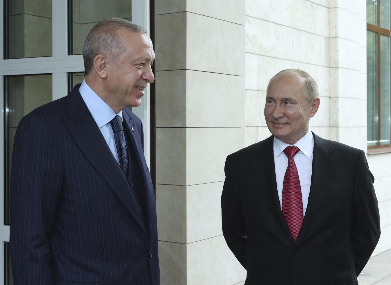 ERdogan e Putin al termine del vertice di Sochi
