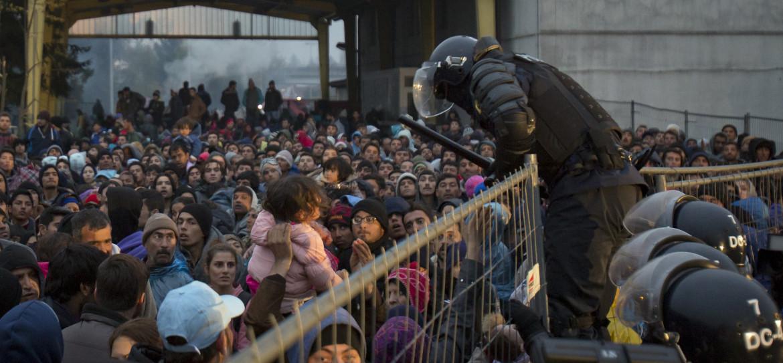 Migranti respinti dalla polizia slovena nel 2015
