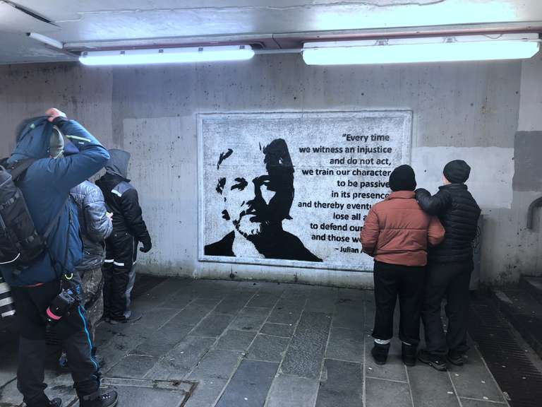 In Norvegia un gruppo di artisti si sono mobilitati per sostenere Assange: il loro lavoro è documentato su www.artistsforassange.org