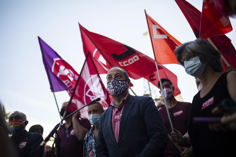 Manifestazione delle sigle sindacali Ccoo e Ugt