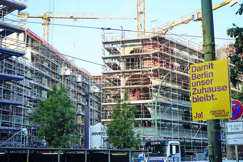 Berlino, la campagna «Expropriate Deutsche Wohnen & Co.»