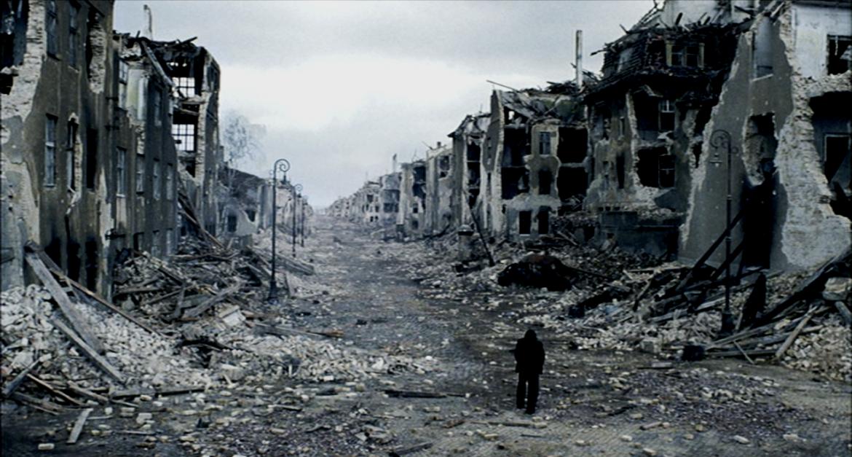 Una scena da «Il pianista» di Roman Polanski, 2002, tratto dal romanzo omonimo di Wladyslaw Szpilman