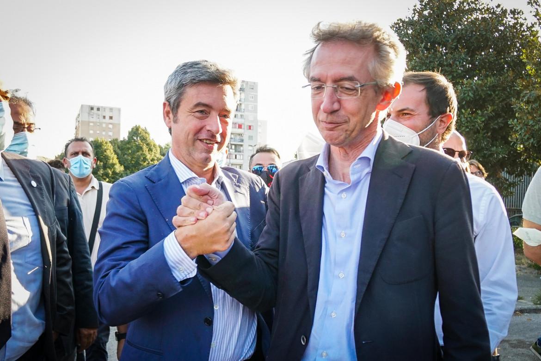Andrea Orlando e Gaetano Manfredi a Scampia