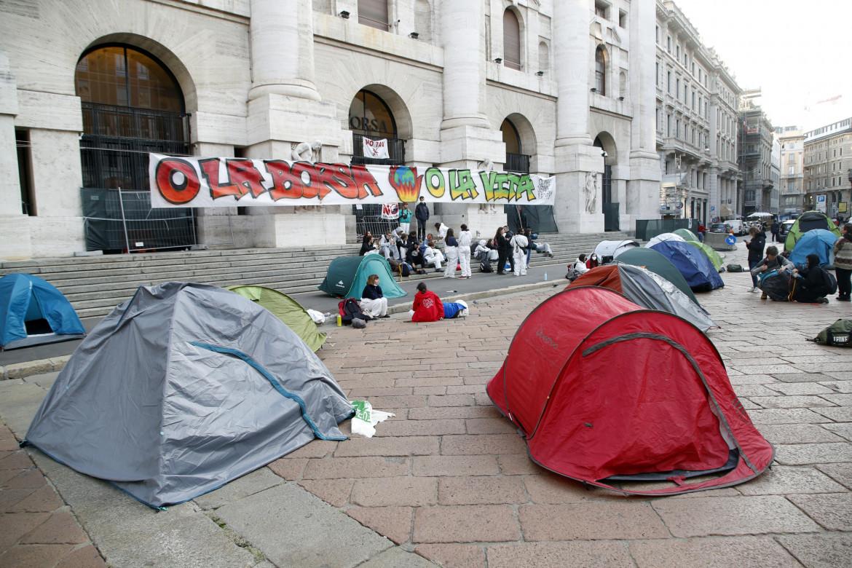 Presidio a Piazza Affari del movimento Rise Up 4 Climate Justice, Milano