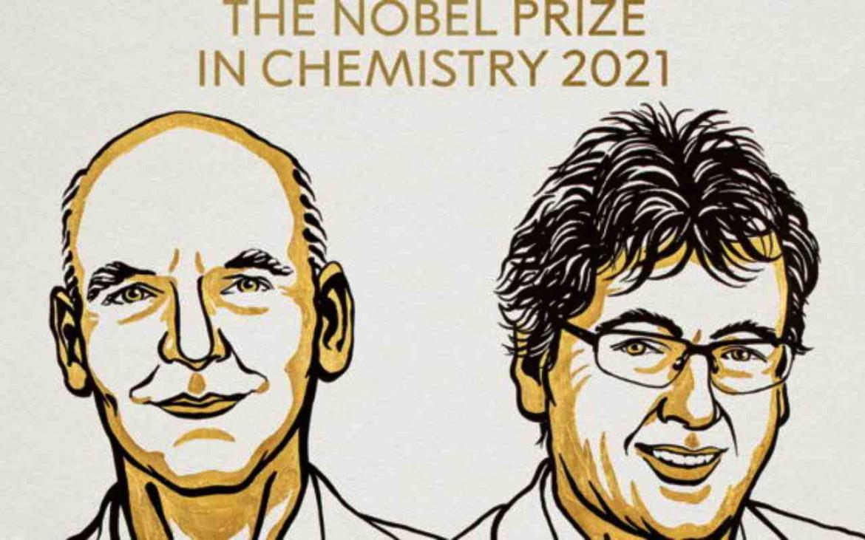 Un ritratto dei due scienziati Benjamin List e David MacMillan
