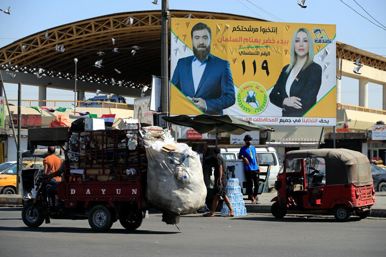 Manifesti elettorali a Baghdad