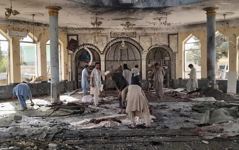 La moschea di Kunduz colpita da un attentatore dello Stato islamico
