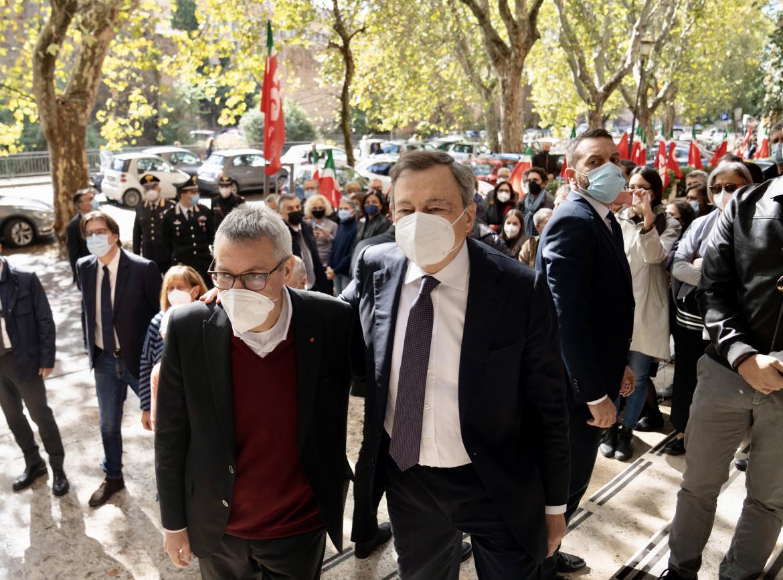 Mario Draghi fa visita alla sede nazionale della Cgil