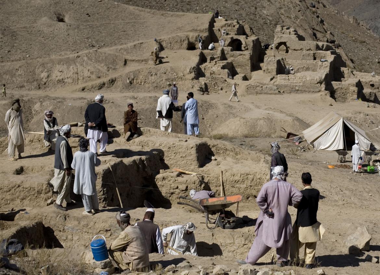 Scavi nell'antico centro urbano di Mes Aynak, che sorge su uno dei più grandi giacimenti di rame al mondo