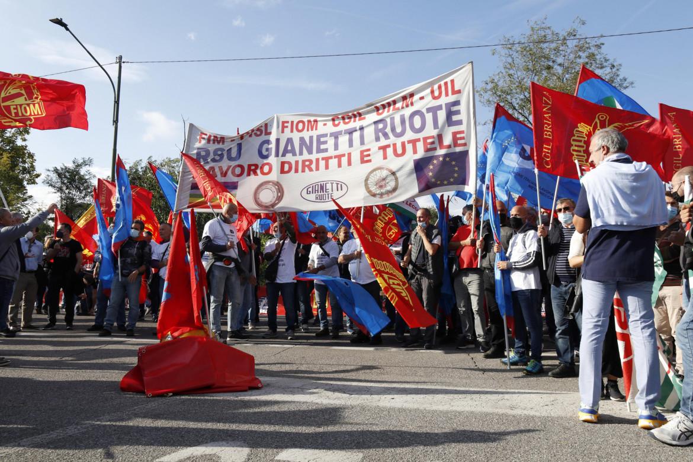 Manifestazione degli operai della Gianetti