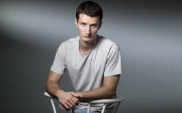 Lo scrittore francese Victor Jestin 27 anni