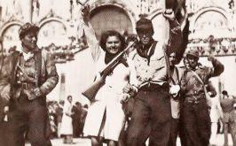 Partigiani a Piazza San Marco Venezia nei giorni della Liberazione