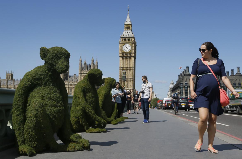 Installazione artistica sul Westminster Bridge di Londra nel 2016