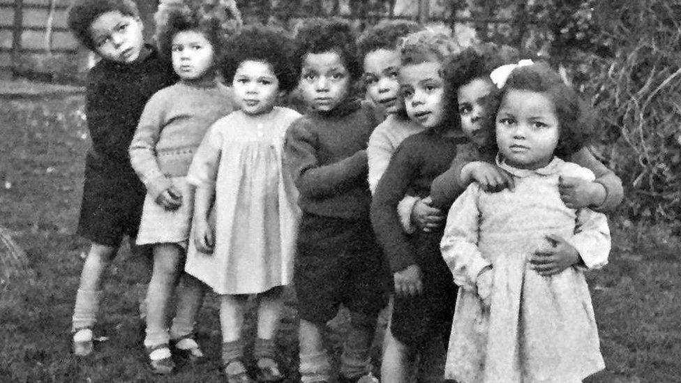 Bambinì nati dopo la guerra in Europa