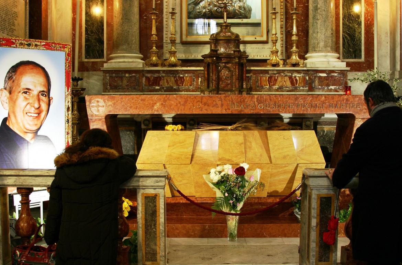 La tomba di Don Puglisi nella cattedrale di Palermo